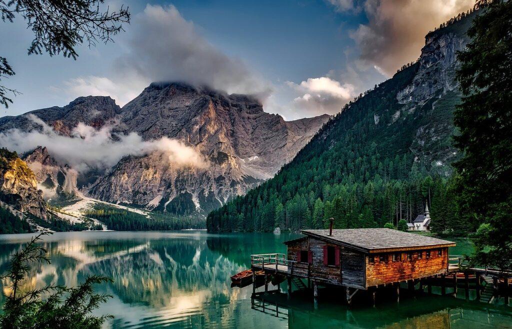 mountains-1587287_1280